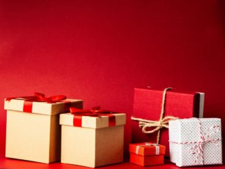 Buying gifts online in Dubai